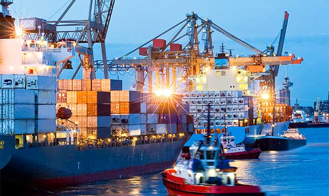 Sea freight shipping containers importing and exporting